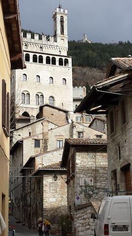 Perla medievale nel cuore di Gubbio - Gubbio - Apartamento