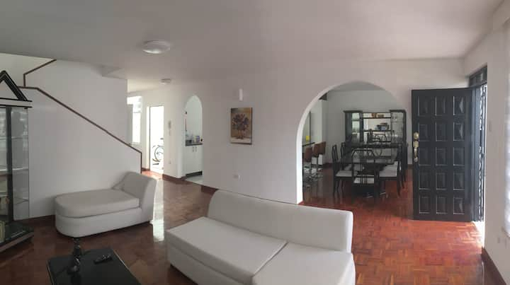 Comfy, spacious and luxuriously renovated house