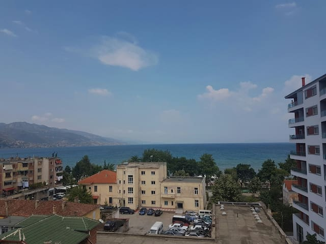 Unique lake view apartment - Pogradec - Lägenhet