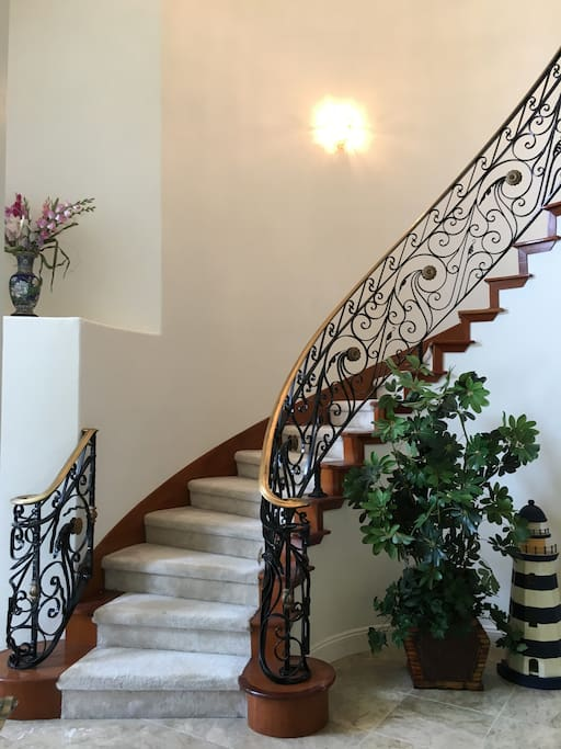 Stairs to Room 1 to 4