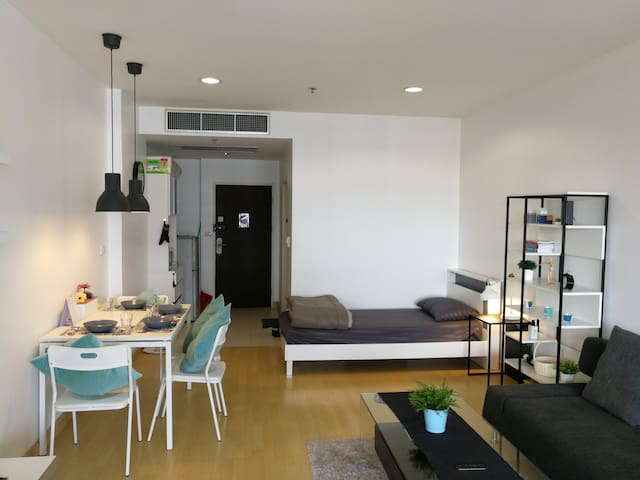 Long stay affordable unit  middle of Pratunam