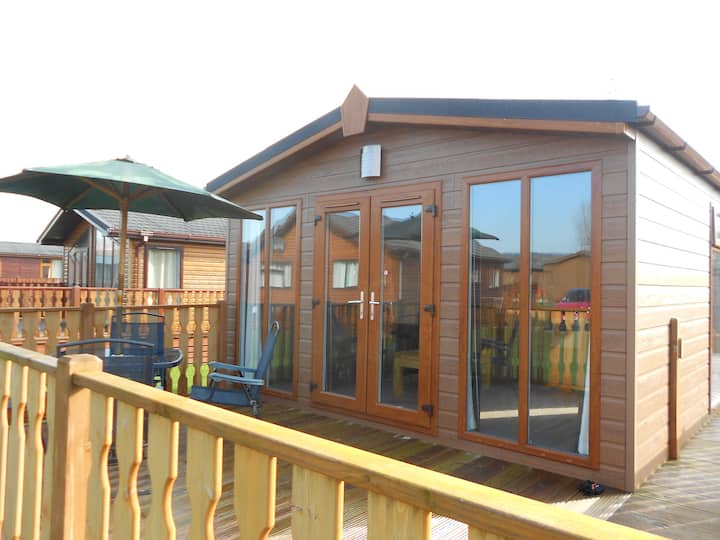 Gressingham 2 bed. lodge with leisure facilities