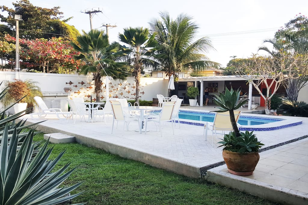 Front yard with pool. Four blocks to the Geribá beach.