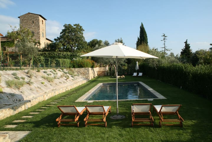 Unique Watchtower & Cottage + Pool - Bagno a Ripoli - Huis