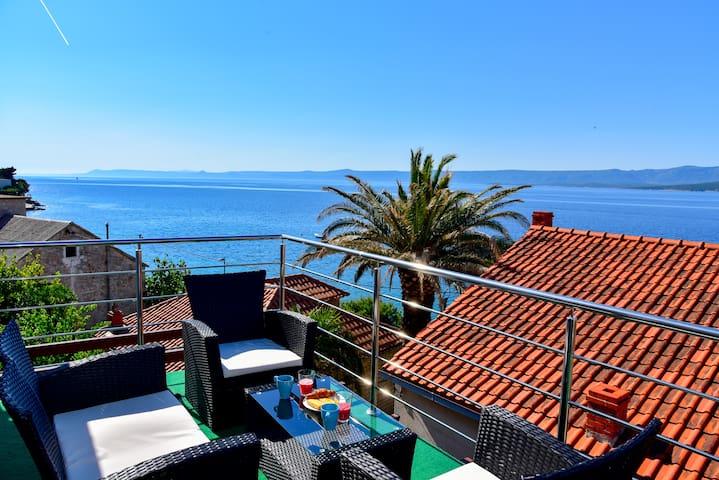 New apartment Sea for 4-6 - sea view in Bol center
