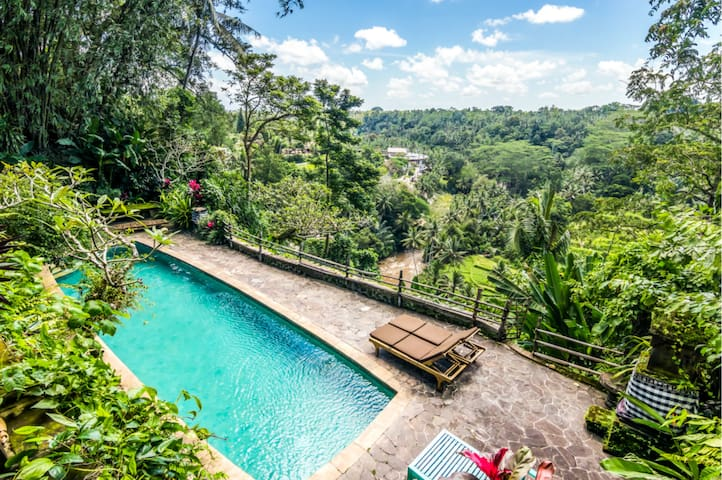 Bali´s iconic house with best views!