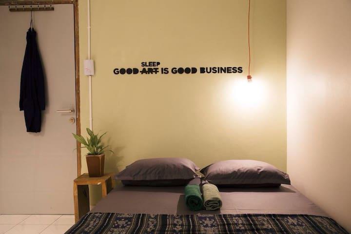 SAE SAE * hippie happy homey - Yogyakarta - House