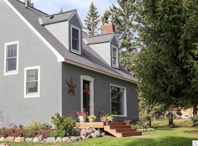 Gorgeous 3 BR home in Two Harbors!