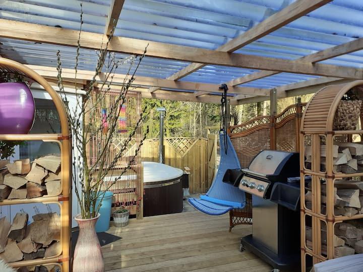 Romantisch natuur- huisje met Prive Jacuzzie!