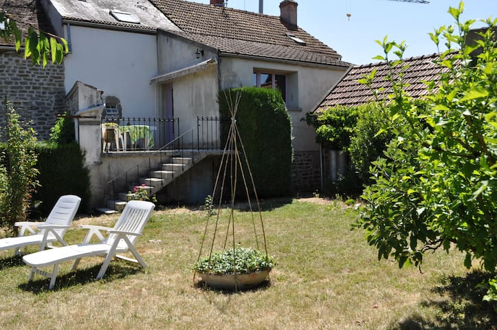 La Grand Borne - Guest house - Genay - Huis