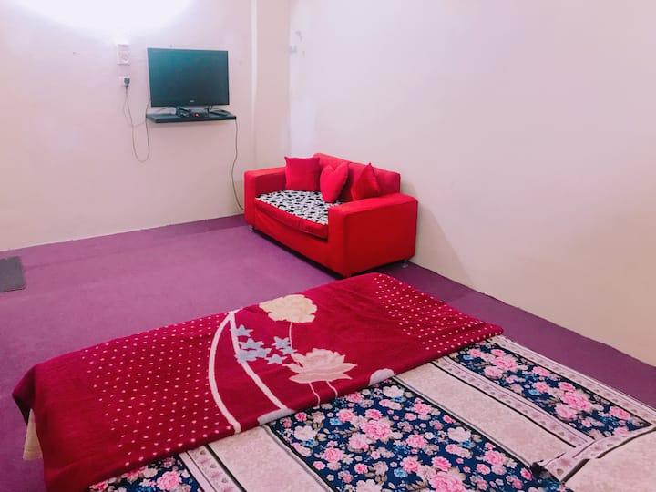 Fully Furnished 2 rooms Apt wit Kitch  ner HARAM