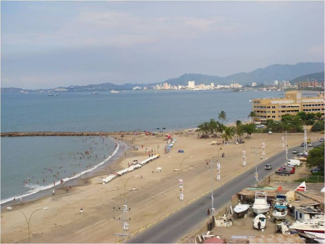 Beautiful condo right on the beach - Lechería - Daire