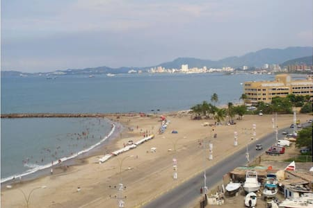 Beautiful condo right on the beach - Lechería - Wohnung
