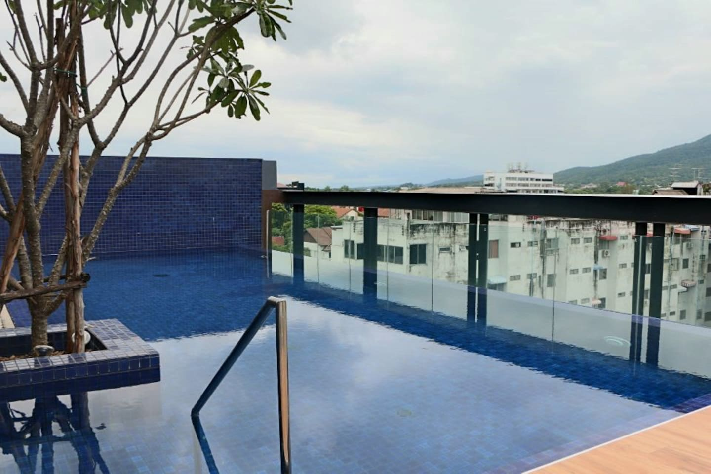 The Centr of Nimman by Palm Springs. - Apartments for Rent in Su ...