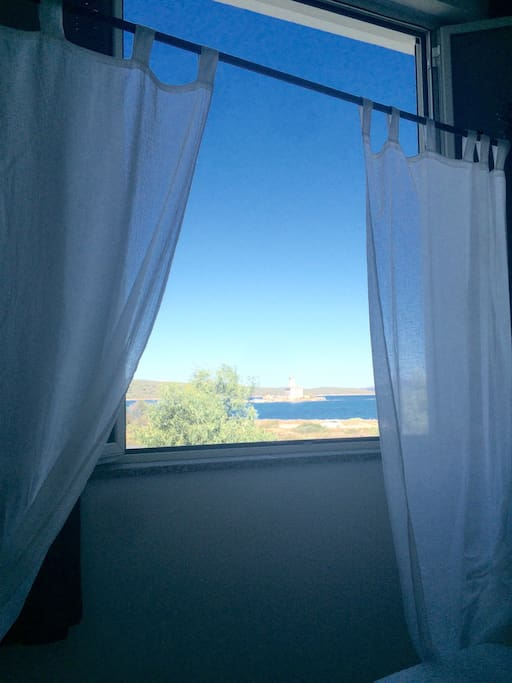 Waking up with the sea breeze