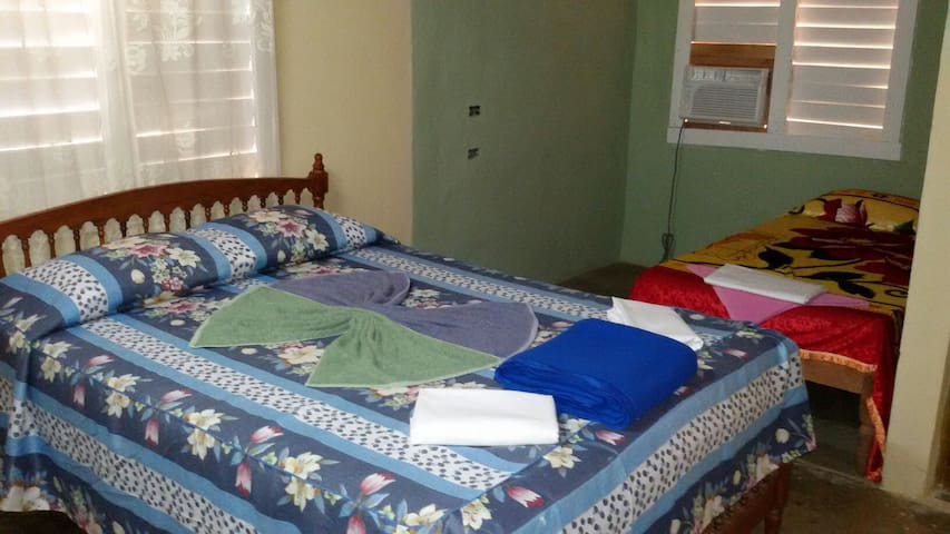 2 Rooms with 2 Beds, AC and hot water shower