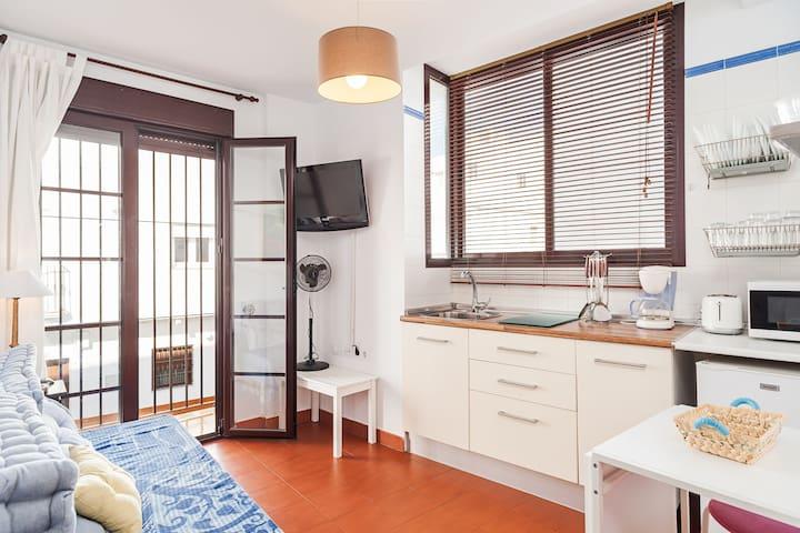 Zentral gelegen mit Balkon - El Patio Apartamento-Estudio