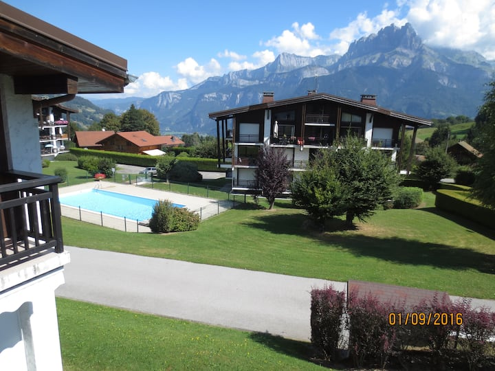 Cordon - Chalet within an estate with pool