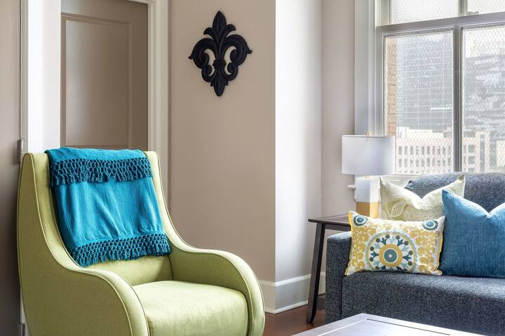 Whimsical Stay Alfred at Hibernia Tower