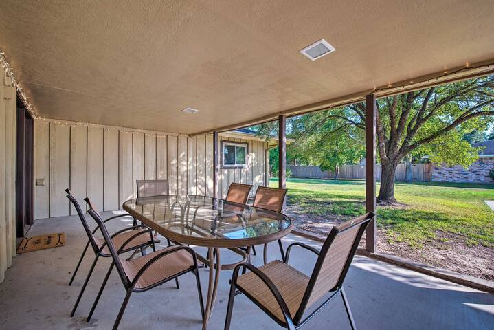 Dine al fresco on the covered patio and enjoy the private yard.