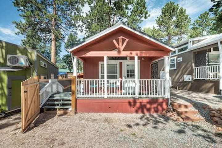 Mid-Week Special!! Tiny House Get-A-Way