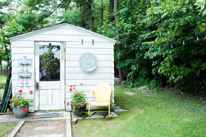 The Tiny Shed Glamping