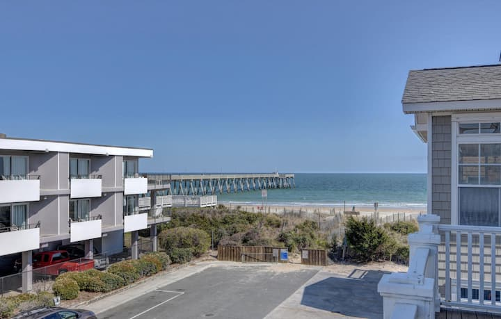OCEANSIDE ESCAPE!! Newly renovated duplex provides the perfect getaway!!