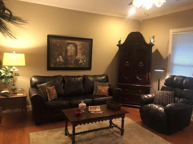 CarsonNewman/UT/CherokeeLake/Golf/HighlanderCtr. - New Market - House