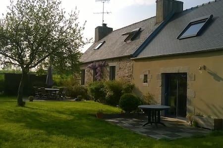 Maison des buissons - Bégard - Hus