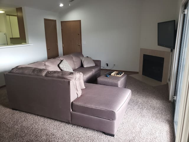Entire Apartment- 889 Sq. Ft. Fully Furnished