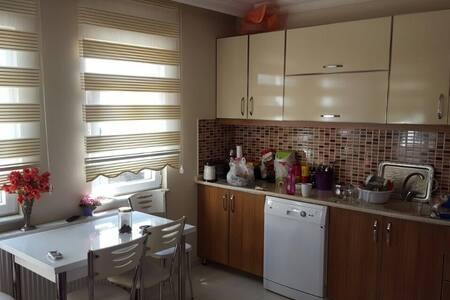 3+1 LÜX DAİRE GENİŞ AİLELER İÇİN - Karasu - Appartement
