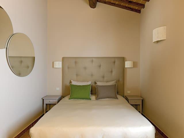 Resort Casale Le Torri - Appartamento Granaio - Ponsacco - Apartamento com serviços incluídos