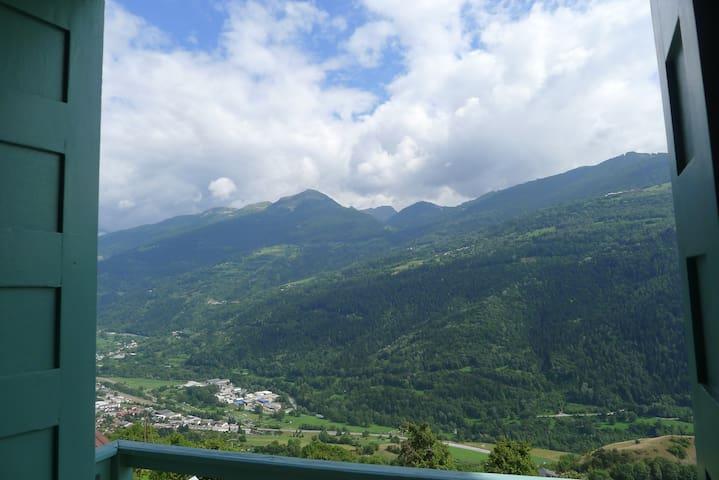En Savoie, grande maison plein sud - Aime - Casa