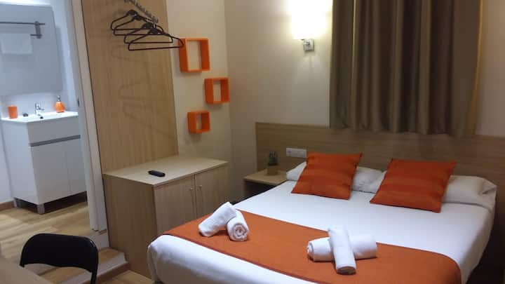 Hostal Barcelona Travel - Doble Basica