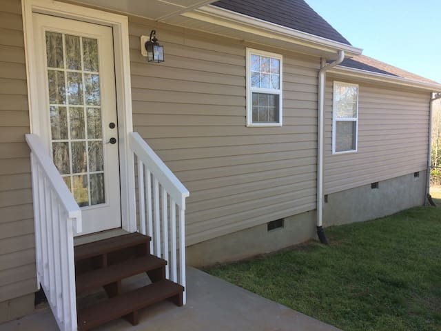 Apartment close to Tryon Eq Center - Rutherfordton