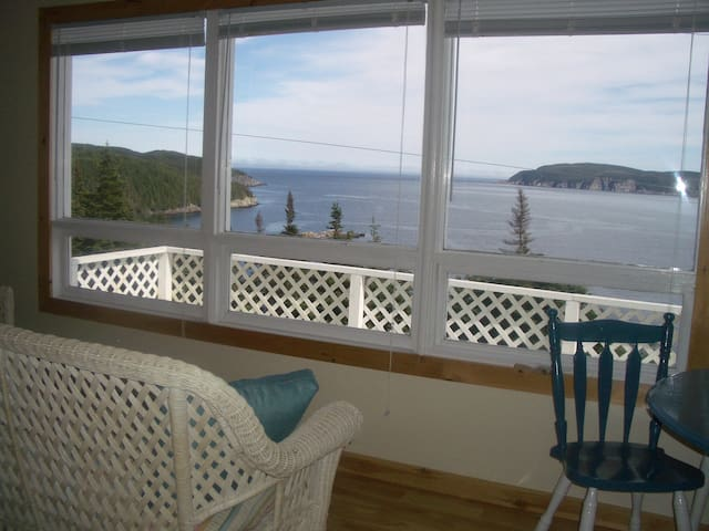 Whale View Cottage Admiral's Cove