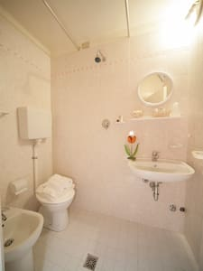 Camera Singola/Doppia con castello (314) - Rimini - Bed & Breakfast