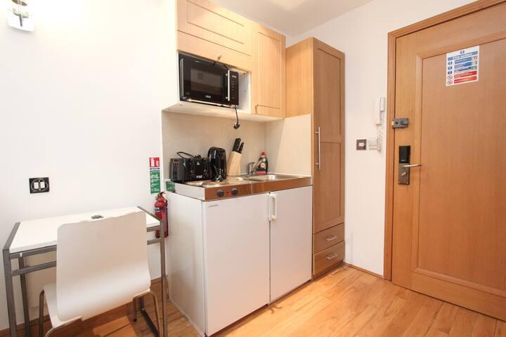 Kitchenette & Desk