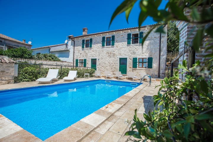 Authentic Istrian stone house Villa Silvana