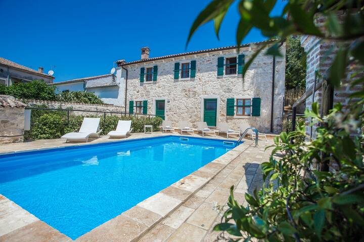 Authentic Istrian stone house Villa Silvana