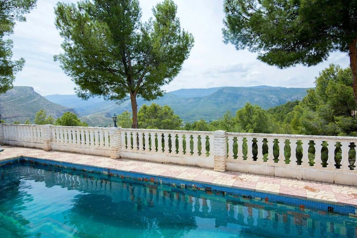 Villa with 5 bedrooms in Chulilla, with wonderful mountain view, private pool and enclosed garden - 60 km from the beach