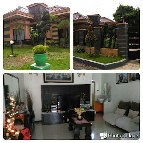 Banyuwangi Jl. Kepiting Guest house