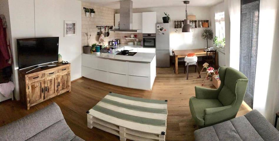 Wohnung mit super Anschluss ins Zentrum - Nürnberg - Leilighet