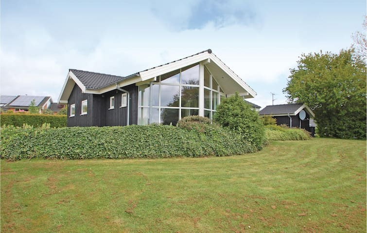 Holiday cottage with 4 bedrooms on 105m² in Haderslev