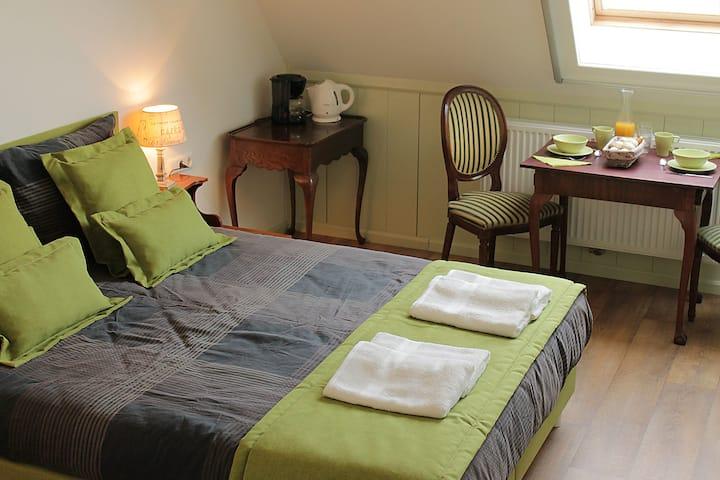 Bed & Breakfast Vrij- Gezellig _ kamer  Landleven