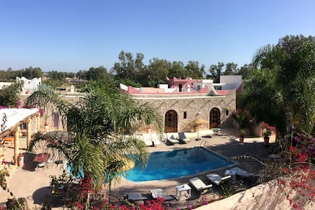 Luxury apartments houses villas in essaouira airbnb for Airbnb marrakech