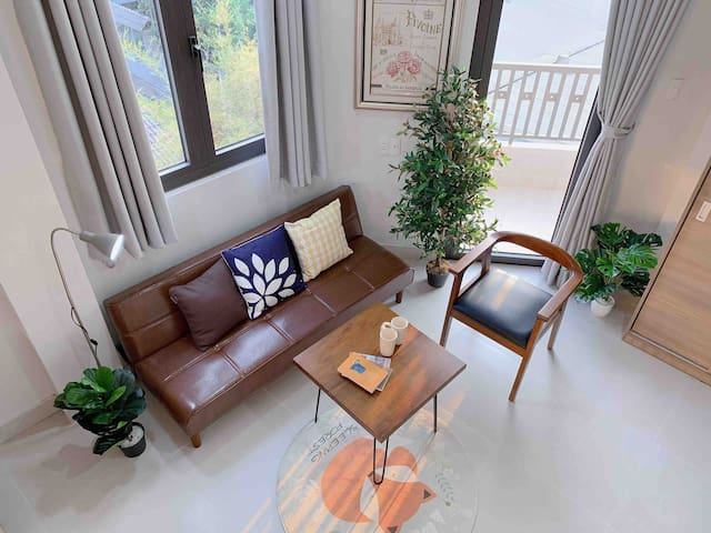 ☆Sunny Apartment☆ w Balcony - Free Cleaning weekly