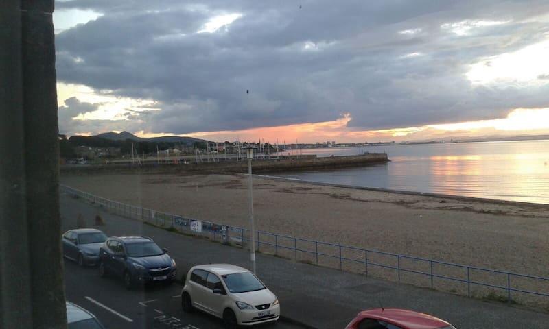 Beach Front Flat, Musselburgh, Edinburgh