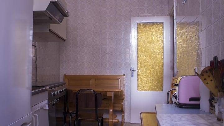 Single Rooms next to Plaza de España — B