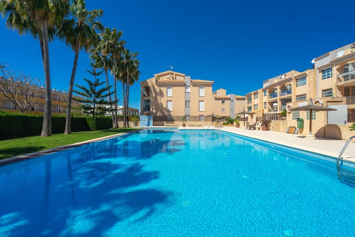 Augusta Apartment Jávea Sur, Stylish with AC, Wifi, Terrace and Pool